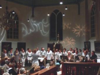 Optreden Achterom samen het koor Swing